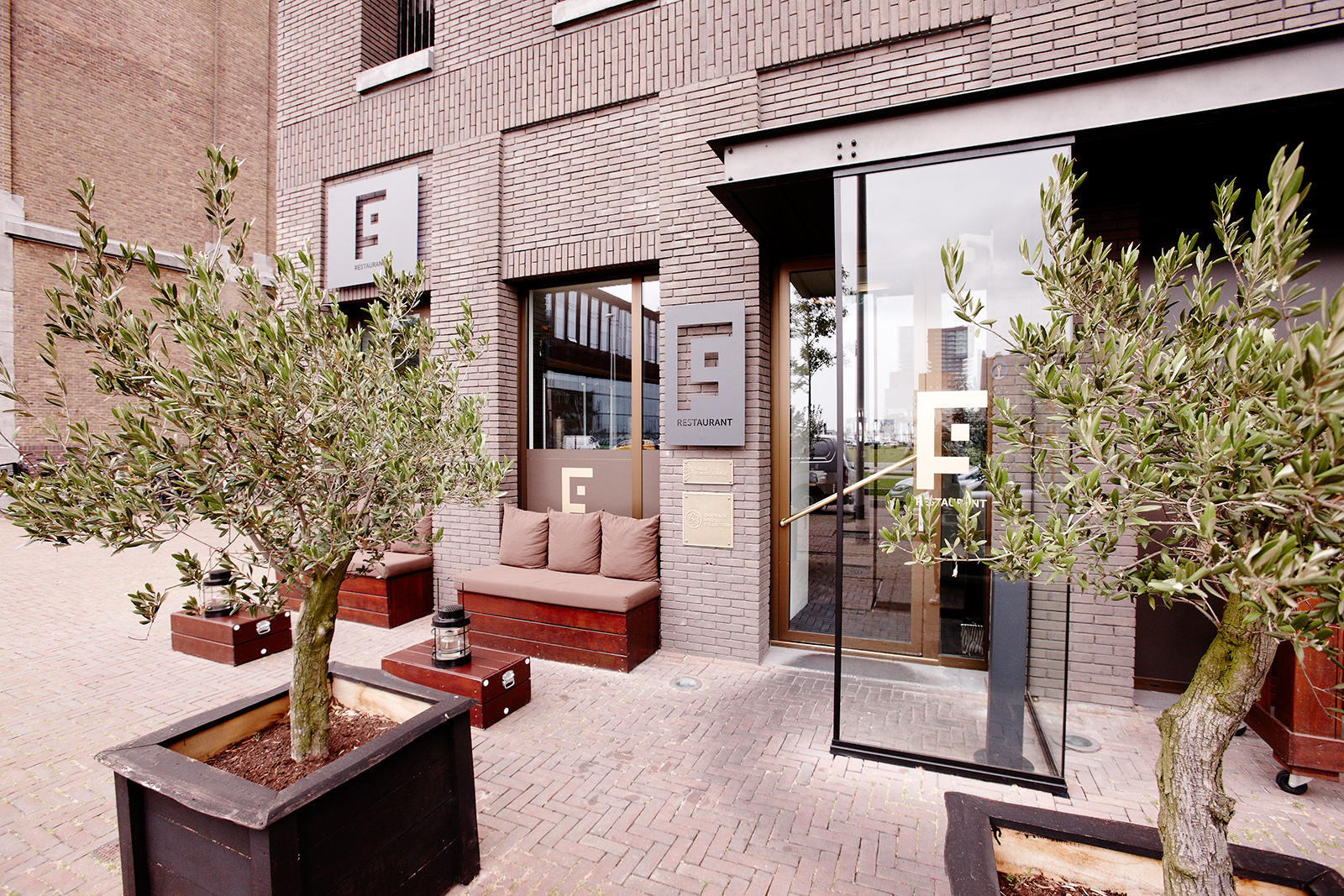 December bij fg restaurant rotterdam champagnemaand for Restaurant exterieur