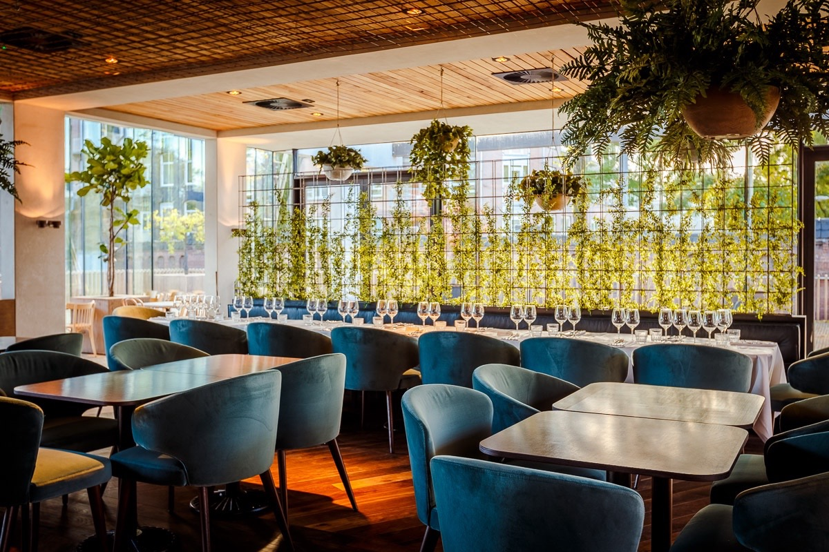 Hotel arena amsterdam opent caf restaurant park for Design hotels arena