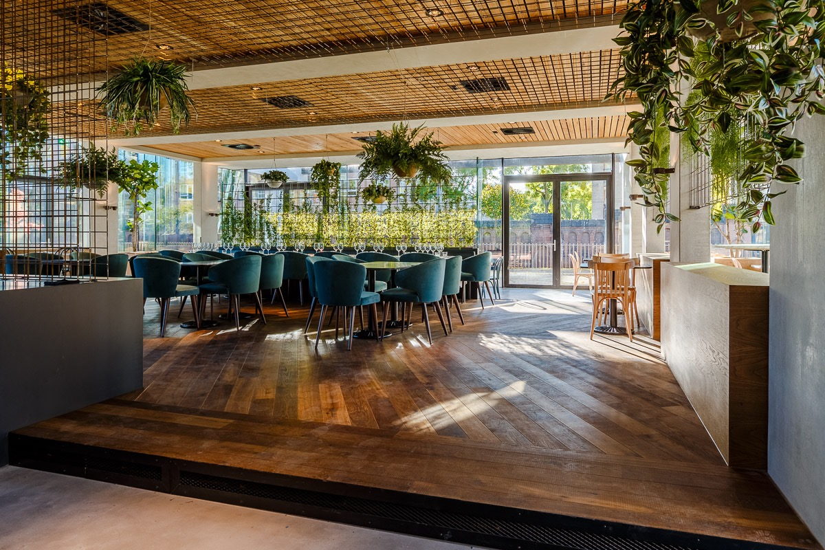 Hotel arena amsterdam opent caf restaurant park for Nieuwe restaurants amsterdam