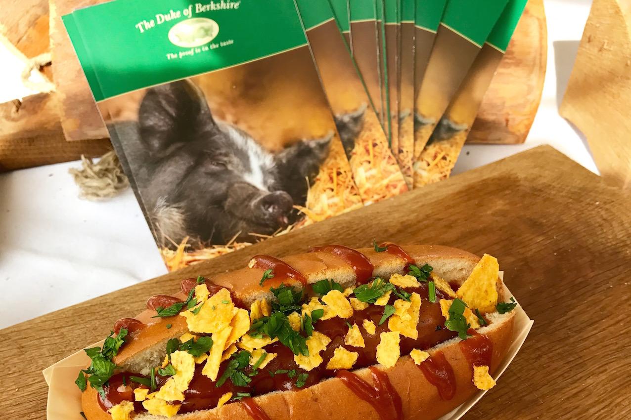 Nice to Meat Hotdog
