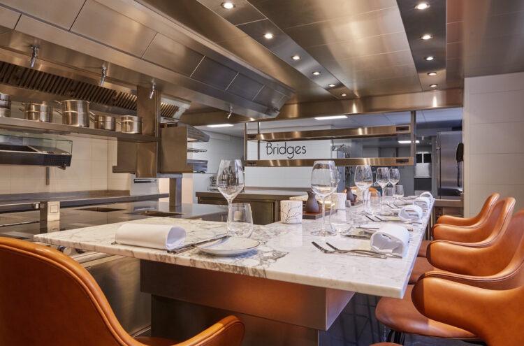 BRIDGES_Chef's Table2 (Michael Graste)